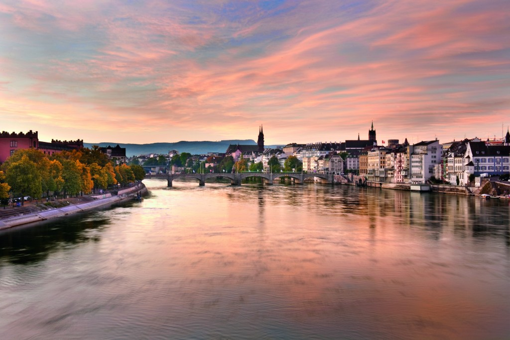 Switzerland. get natural. Early morning on the Rhine in Basel. Schweiz. ganz natuerlich. Morgenstimmung am Rhein in Basel. Suisse. tout naturellement. Tot le matin sur le Rhin a Bale. Copyright by: Switzerland Tourism By-Line: swiss-image.ch / Andreas Zimmermann